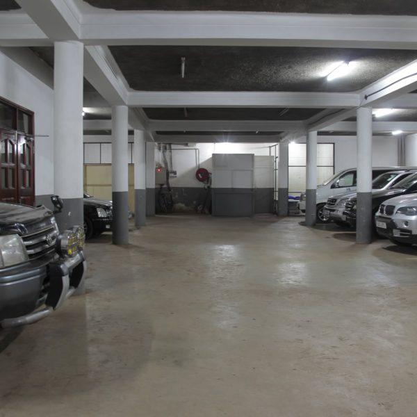 Hotel Sojoval Parking